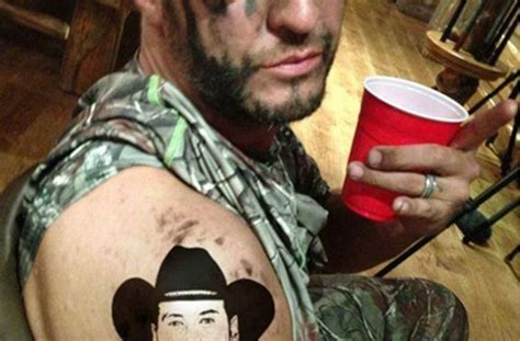 blake shelton tattoo luke bryan gets a of shelton s