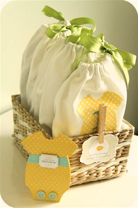 Handmade Things For Newborn Baby - 60 popular baby shower presents tip junkie