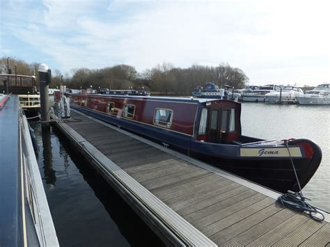 river thames canal boats luxury narrow canal boat hire