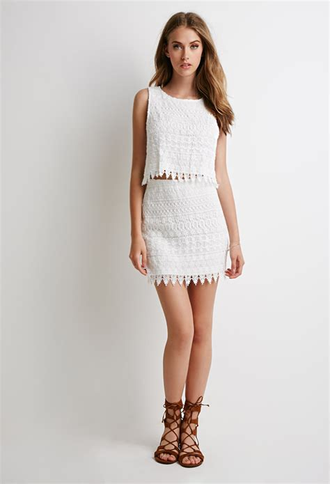 Tops Skrit lyst forever 21 ornate lace crop top and skirt set in white