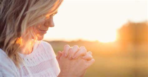 imagenes mujeres orando a dios oraci 243 n para pedir confianza a dios