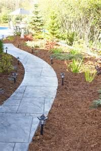 best mulch types choosing the right mulch for a garden