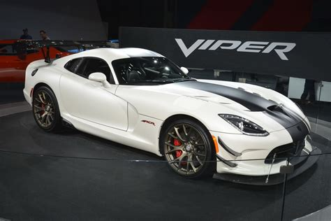 dodge viper ny auto show dodge viper acr still has it carscoops com