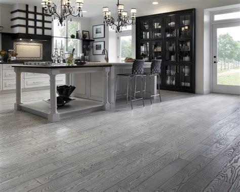 arredare casa con parquet l abbinamento parquet grigio chiaro con l arredamento