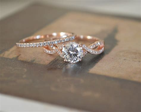 engagement ring band setting gold twisted band