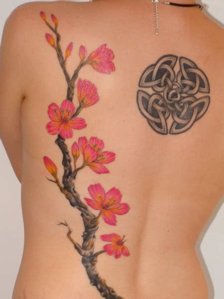 seductive tattoo designs blossom japanese flower designs 12