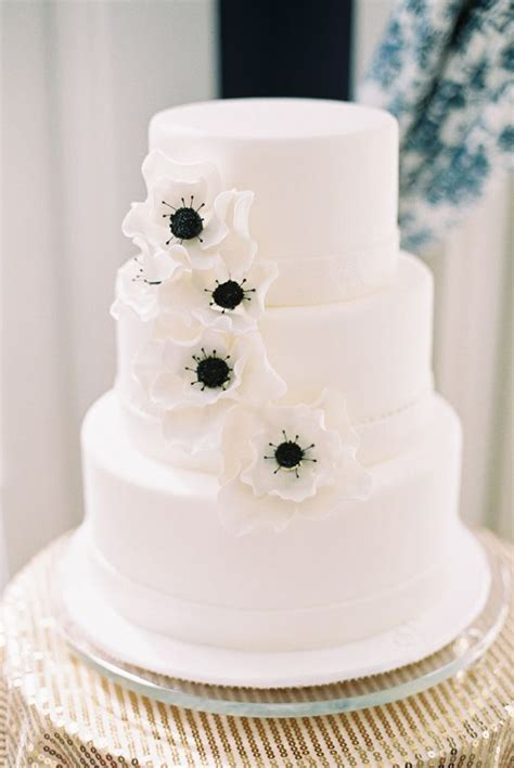 Black Wedding Cake Flowers by 61 Best Images About Black Wedding Cake On