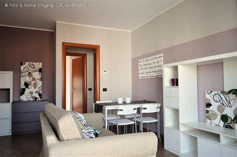 soggiorno arredato appartamento arredato per l affitto rivoli