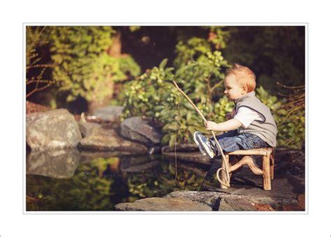 Baby Fishing bonney lake baby photographer teach a boy to fish