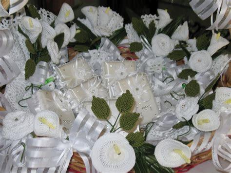 fiori uncinetto per bomboniere fiori scatole ad uncinetto per confettate feste