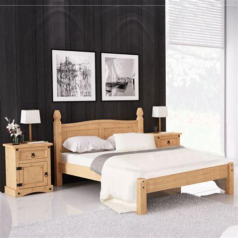 bettanlage corona schlafzimmer bett nachttisch pinie