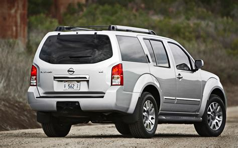 pathfinder nissan 2012 nissan pathfinder le 4x4 first test photo gallery
