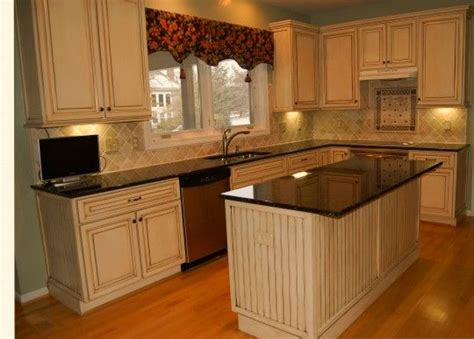 modernizing oak kitchen cabinets best 25 update kitchen cabinets ideas on