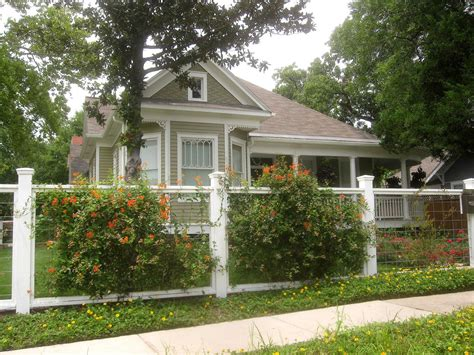 Design For Front Yard Fencing Ideas The Other Houston Bungalow Front Yard Garden Ideas