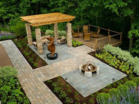 Decor: Beautiful Small Yard Design For Home Landscaping