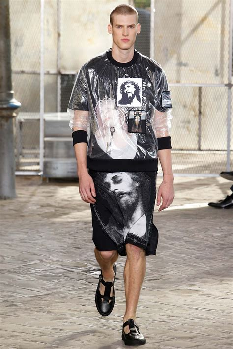 givenchy springsummer  menswear collection paris