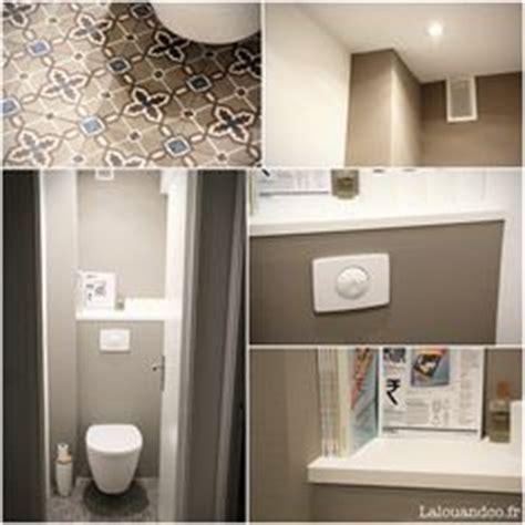 wc mit spülung und fön d 233 co toilettes grise peinture et d 233 co wc avec du gris