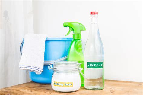 pulire tappeti con bicarbonato ecco come l aceto e il bicarbonato di sodio possono