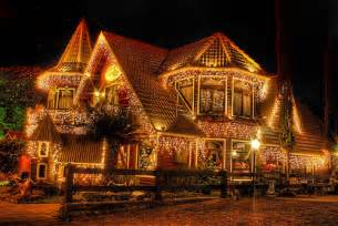 beautiful lights on houses robocast play the web