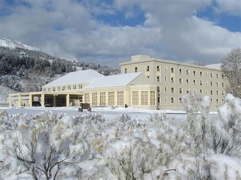 Mammoth Springs Hotel And Cabins Yellowstone National Park Wy by Top Your 5 Best Yellowstone Lodging Bets Travefy