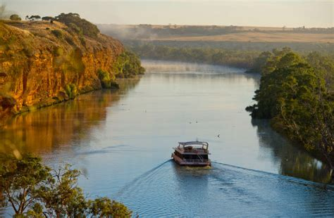 murray river house boats admire australia s magnificent waterways on a houseboat