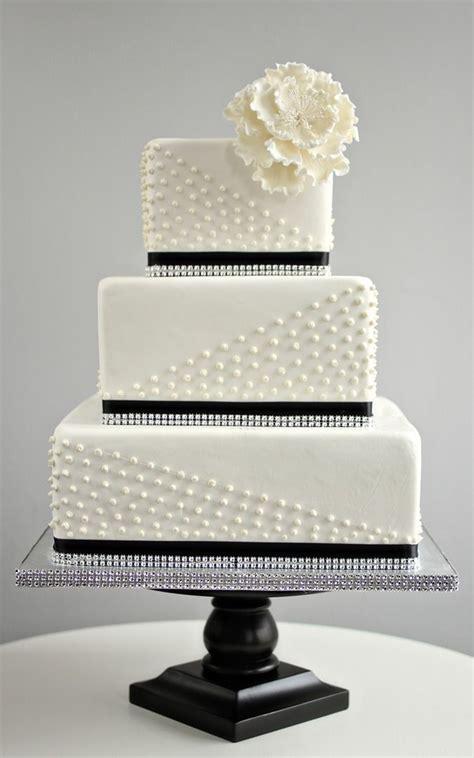 amazing black  white wedding cakes deer pearl flowers