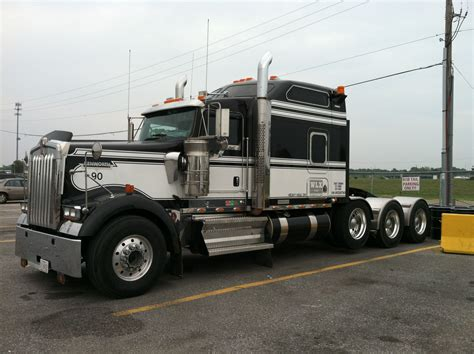 Kenworth Heavy Hauler Trucks