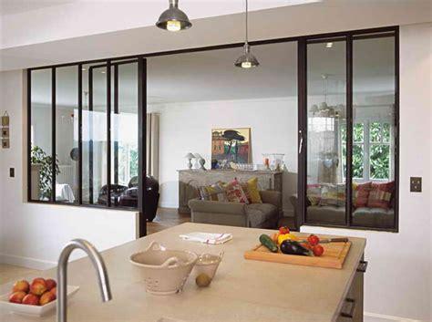 fenetre separation cuisine idee de separation entre cuisine et salon idc s 233 paration