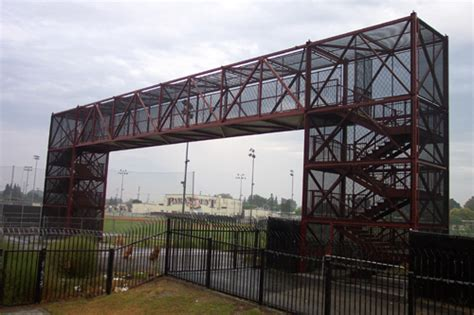 Prefabricated Roof Trusses pedestrian bridges fabrication and manufacturers