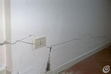 crepe muri interni crepe muri esterni
