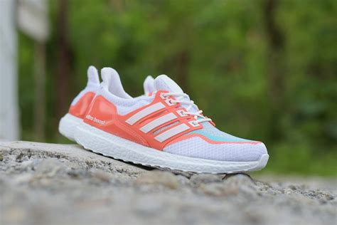 Sepatu Olahraga Adidas Ultraboost Sneakers Sepatu Santai Sepatu Cowo jual sepatu sport adidas ultra boost grade ori putih orange olahraga joging fitnes aerobic