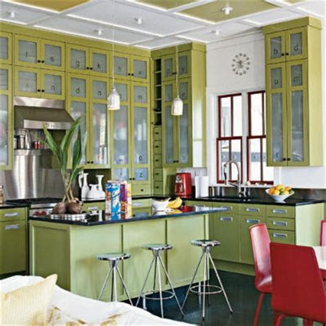vintage looking kitchen cabinets zuniga interiors kitchens a blend of new with vintage