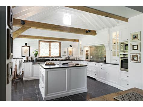 cocinas con encimera de madera cocina blanca con encimera de madera top cocina con