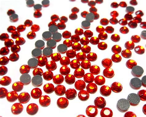 Roter Rubin Pflanze 974 by Hotfix Strasssteine Rot Feuerrot 6mm Glas Strass Aaa
