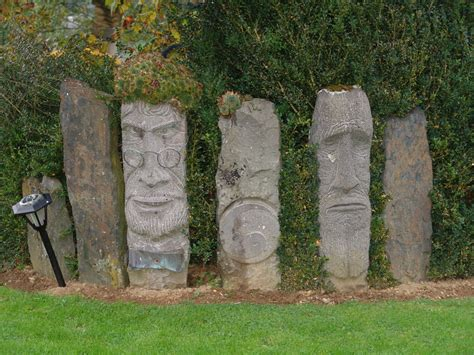 Steinskulpturen Garten by Steinskulpturen Aus Der Eifel Foto Bild Kunstfotografie Kultur Gem 228 Lde Skulpturen