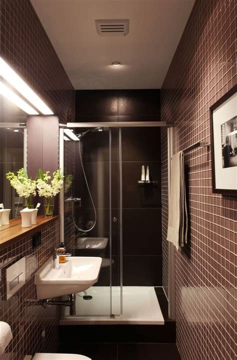 narrow bathroom design best 25 narrow bathroom ideas on narrow