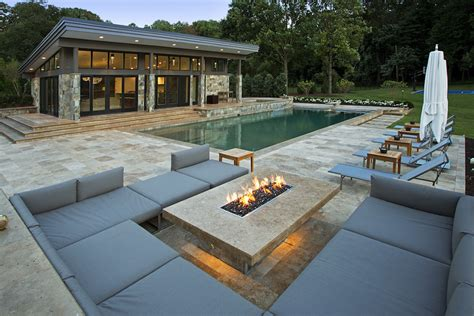 Backyard Lounge Chairs Design Ideas Modern Pool Landscaping In The Courtyard Of Modern House With Lawn And Patio Complete With Pool