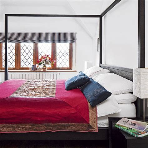 Bedroom Decorating Ideas With Four Poster Bed White Bedroom With Four Poster Bed Guest Bedroom Design
