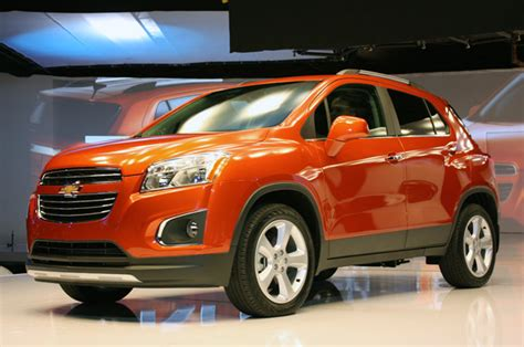 how many employees does chevrolet gm announces educator discount on 2014 and 2015