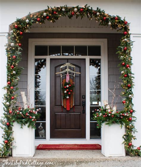 appealing christmas main door decoration ideas