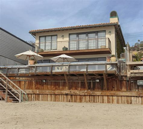 High End Kitchen Design paris hilton lets her malibu beach house for 65 000 a