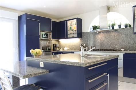 cuisine bleu nuit bleu nuit blanc marbre gris c0602 mires