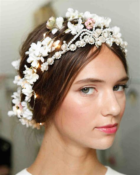 Floral Hair Arrangements Trend 2008 by 4 Flower Filled Wedding Hairstyles From The Bridal Shows