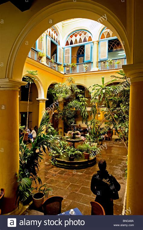 el patio photo restaurant el patio cuba stock photo 30472746 alamy