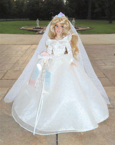 """Wedding Phillip & Aurora 11"""" Doll Set!!"""