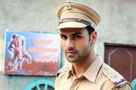 vivek dahiya background independenceday actors who simply rock the official uniform