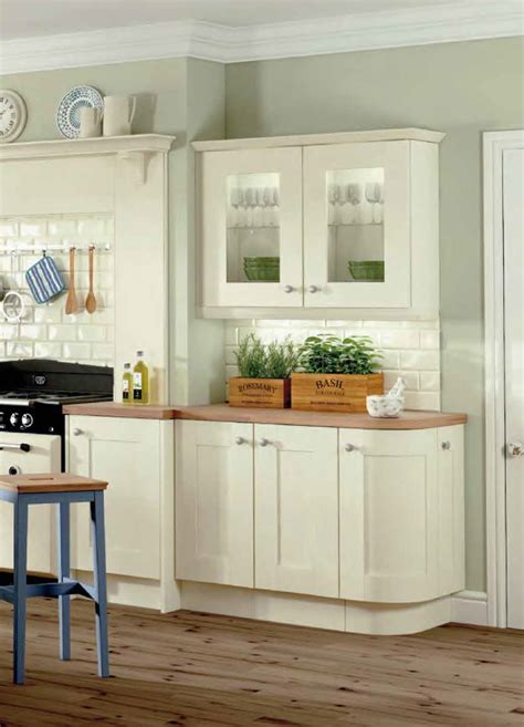 bettinsons kitchens web design leicester focusing on classic kitchen doors at bettinsons kitchens