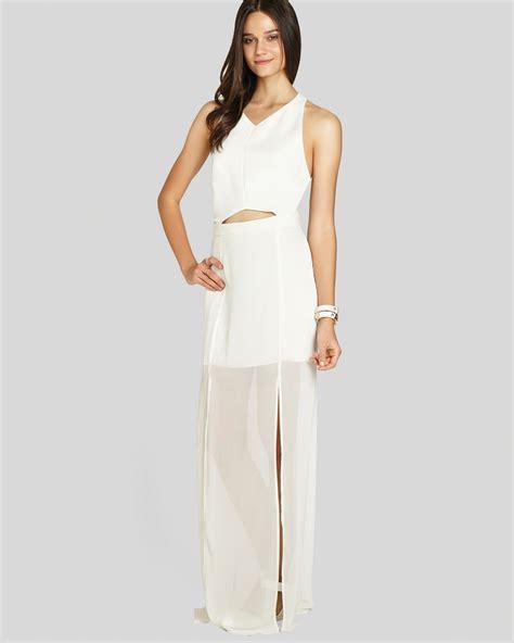 Toner Mbl Maxi White lyst bcbgeneration maxi dress princess slit in white