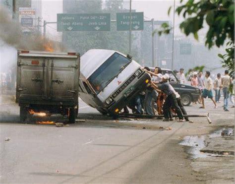 Mei Mei Jkt peristiwa mei 1998 di jakarta titik terendah sejarah etnis tionghoa di indonesia tionghoa