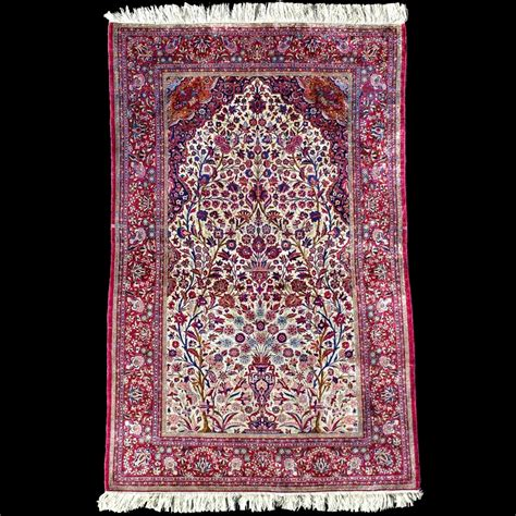 tappeti in seta tappeto persiano antico in seta kashan a preghiera
